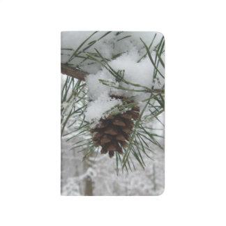 Fotografía del invierno de la rama del pino Nevado Cuadernos