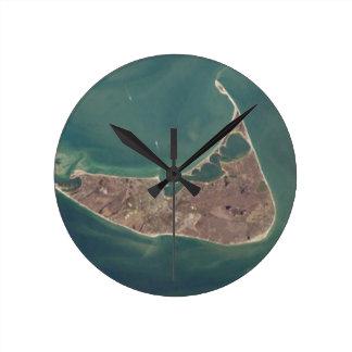 Fotografía del satélite de Nantucket Reloj Redondo Mediano