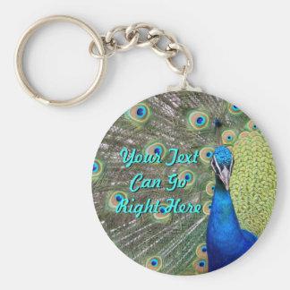 Fotografía elegante del pavo real llavero redondo tipo pin