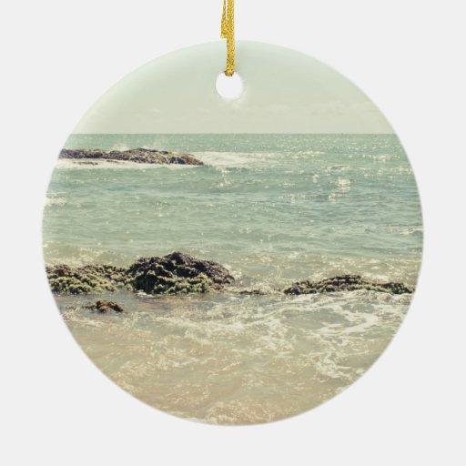 Fotografía en colores pastel de la playa del ornamento de reyes magos