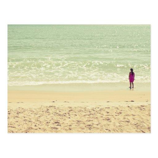 Fotografía en colores pastel de la playa postal