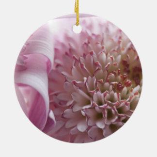 Fotografía en colores pastel suave de las flores adorno para reyes