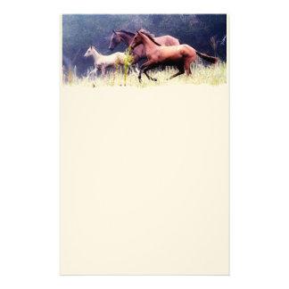 Fotografía galopante de los caballos papelería personalizada
