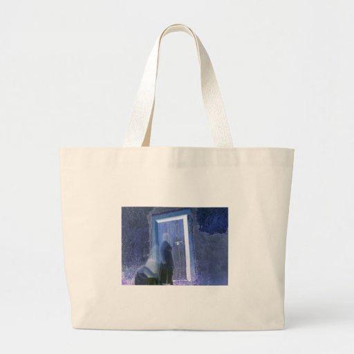 fotografía larga del fantasma de la exposición de  bolsa tela grande