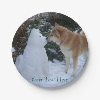 fotografía linda de Akita del muñeco de nieve de Plato De Papel De 7 Pulgadas
