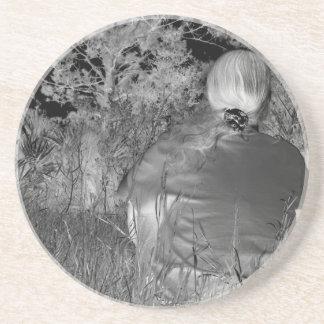Fotografía negativa de Solarized de la figura a so Posavaso Para Bebida