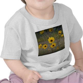 Fotografía negra amarilla del Wildflower de la Camisetas