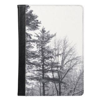 Fotografía nevada de los árboles
