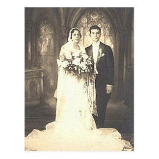 Fotografía romántica del boda de la novia y del postales