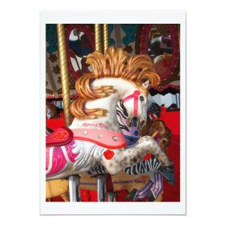 Fotografía rosada y blanca del caballo del invitaciones personalizada