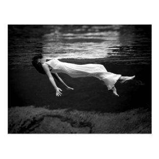 Fotografía subacuática de la moda postal