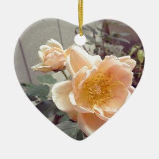 Fotografía subió mañana bonita adorno navideño de cerámica en forma de corazón
