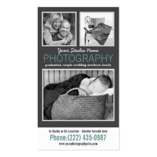 Fotógrafo moderno con 3 fotos de la muestra tarjetas de visita