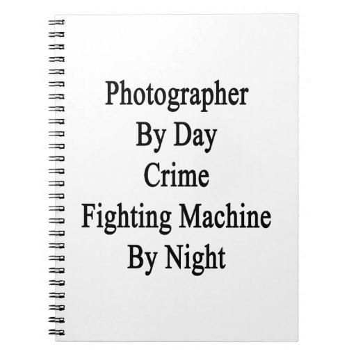 Fotógrafo por la máquina que lucha del crimen del  libros de apuntes