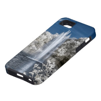 Fountain in Infrared iPhone SE/5/5s Case