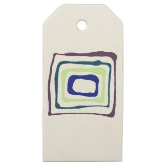 Four dimensional wooden gift tags