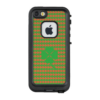 Four-leaf clover LifeProof FRĒ iPhone SE/5/5s case