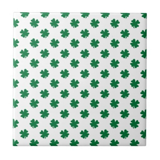Four leaf clovers in green small square tile