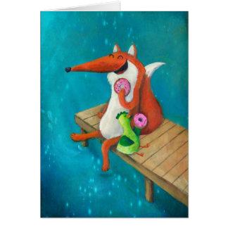 Fox amistoso y pollo que comen los anillos de espu tarjeta de felicitación