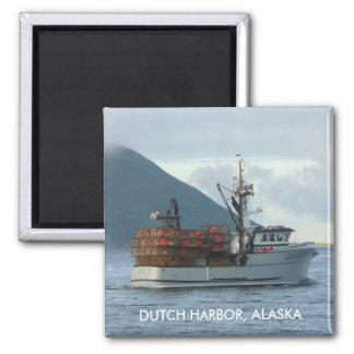 Fox ártico, barco del cangrejo en el puerto holand imán cuadrado