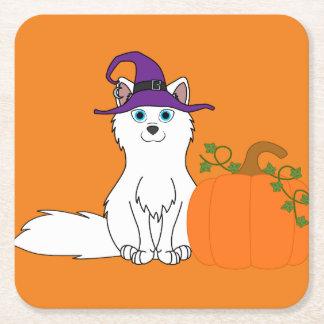Fox ártico con la calabaza de Halloween Posavasos De Cartón Cuadrado
