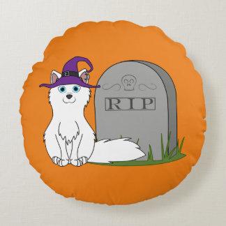 Fox ártico con la piedra del sepulcro del RASGÓN Cojín Redondo