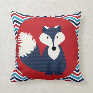 Fox de azules marinos en la almohada de tiro roja