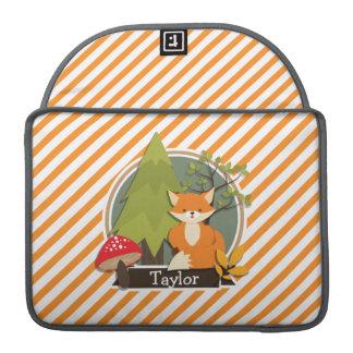 Fox del arbolado; Rayas anaranjadas y blancas Fundas Macbook Pro