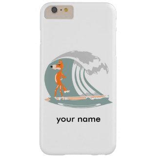 Fox del dibujo animado en una tabla hawaiana funda para iPhone 6 plus barely there
