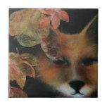 Fox en teja de las hojas