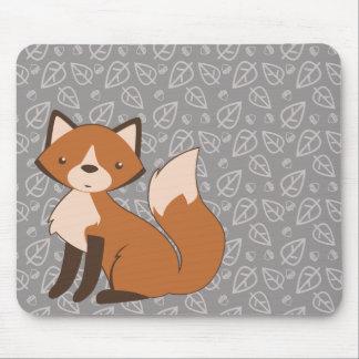 Fox lindo en modelo de la hoja y de la bellota tapete de ratón