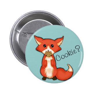 Fox observado grande lindo que come una galleta pin redondo 5 cm