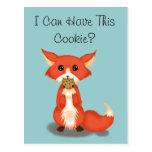 Fox observado grande lindo que come una galleta tarjetas postales