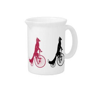 Fox que monta una bici jarras de beber