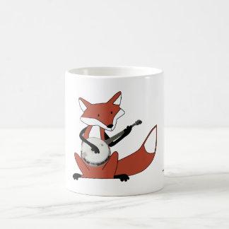 Fox que toca el banjo tazas de café