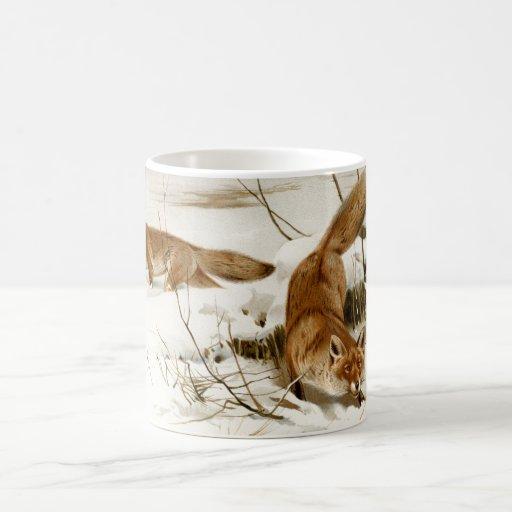 Fox rojo en invierno taza clásica