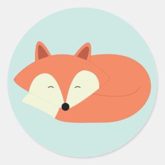 Fox rojo soñoliento pegatina redonda