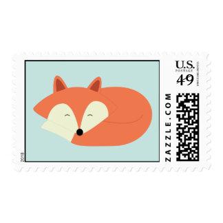 Fox rojo soñoliento sello postal