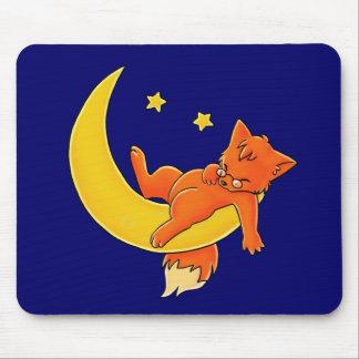 Fox soñoliento de la luna alfombrilla de ratones