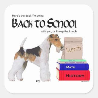 Fox terrier del alambre de nuevo a escuela pegatina cuadrada