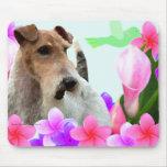 Fox terrier y flores del alambre tapetes de ratón
