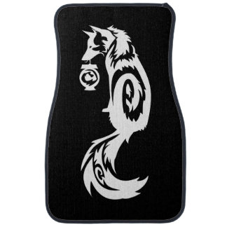 Fox tribal de Kitsune con la linterna del alcohol Alfombrilla De Auto