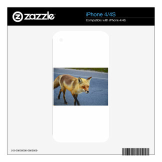 Fox Walking Skin For The iPhone 4S