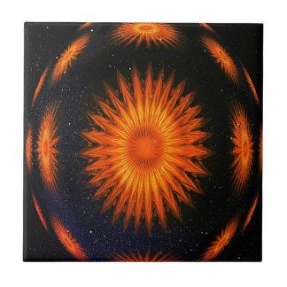 Fractal anaranjado Starburst en los cielos Azulejo Cuadrado Pequeño