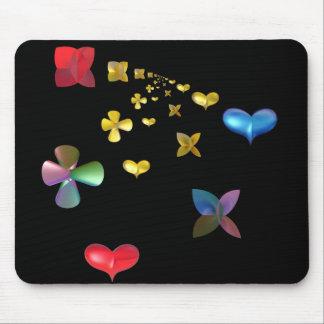 fractal de la fantasía con el corazón y la flor alfombrillas de ratón