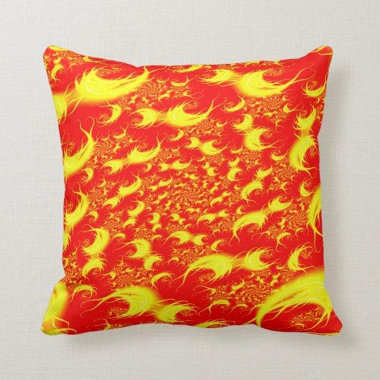 Fractal espiral amarillo rojo de las llamaradas cojín decorativo