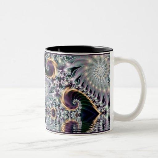 Fractal espiral de plata de la reflexión taza dos tonos