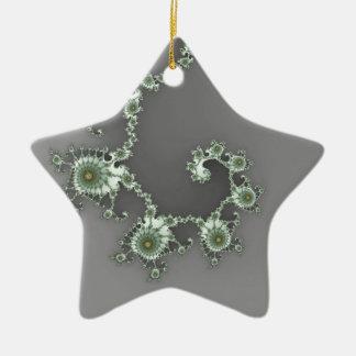 Fractal extranjero gris del navidad adorno de cerámica en forma de estrella