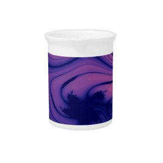 Fractal frondoso púrpura de la charca del jarras para bebida