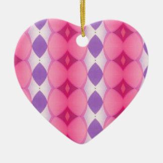 Fractal moderno púrpura rosado de las formas de adorno navideño de cerámica en forma de corazón